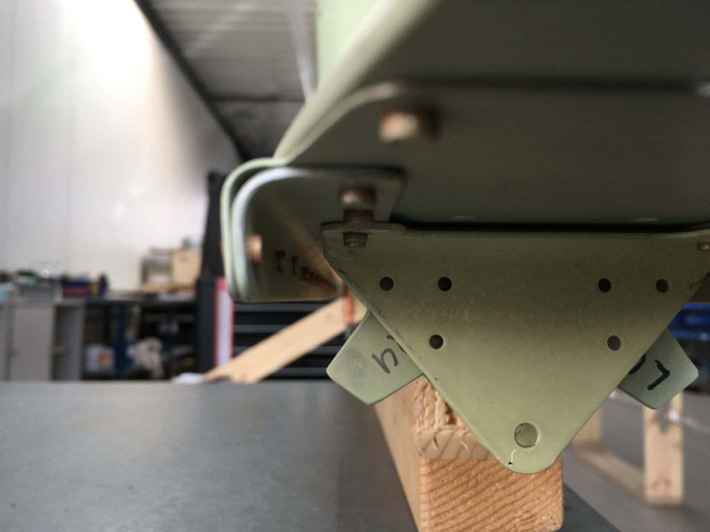 Vertical Stabilizer Rivet Size Check